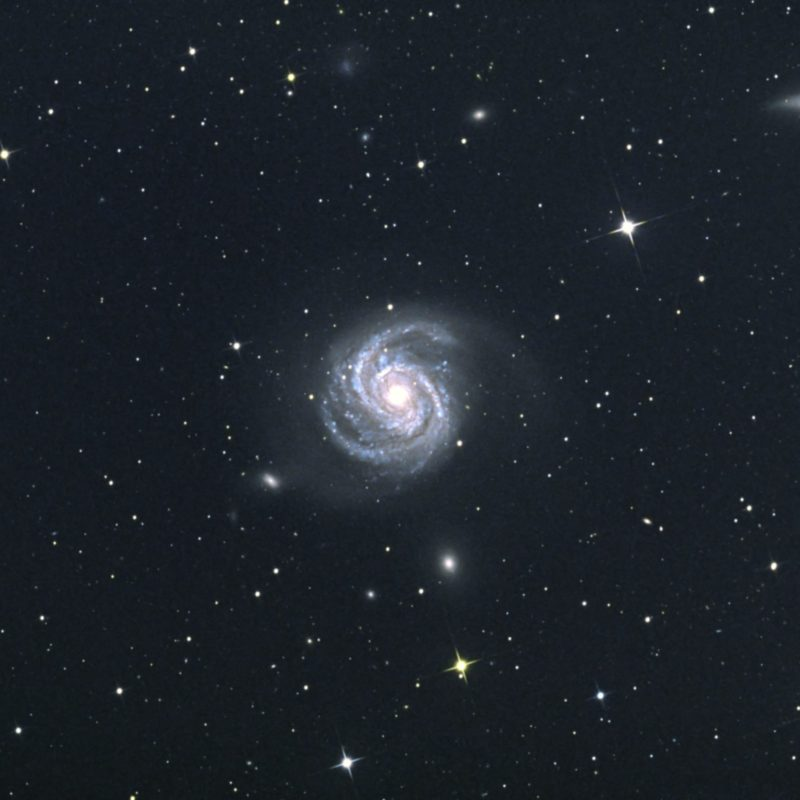 M100 Haarfoehngalaxis NGC4312 sowie NG 4322 und 4328. scaled 800x800 - Galaxien