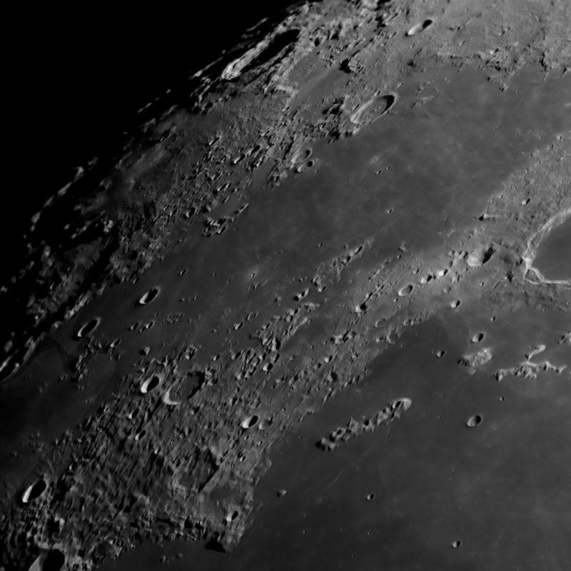 Krater Plato und J. Herschel Sinus Iridum 211 scaled 800x800 - Mond