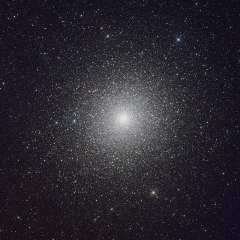 NGC 104 47 Tucanaeneuetwasdunkl48 scaled 800x800 - Sternhaufen der SH